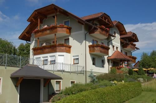 Hotellikuvia: Ferienwohnungen Petschnig, Villach