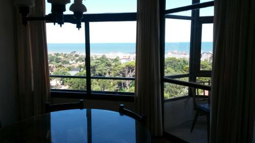 Foto Hotel: Departamento 4 Ambientes Pinamar con vista al mar, Pinamar