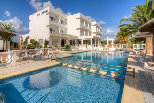 Formentera appartamenti in affitto case in for Hotel tre stelle barcellona