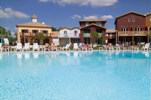 Hotel Pictures: Madame Vacances Les Rives Marines, Le Teich