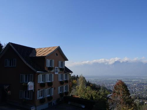 Hotel Pictures: Waldrast Bed & Breakfast, Feldkirch
