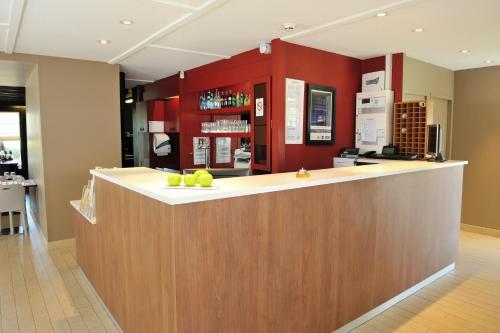 Hotel Pictures: Campanile Rouen Nord - Barentin, Barentin