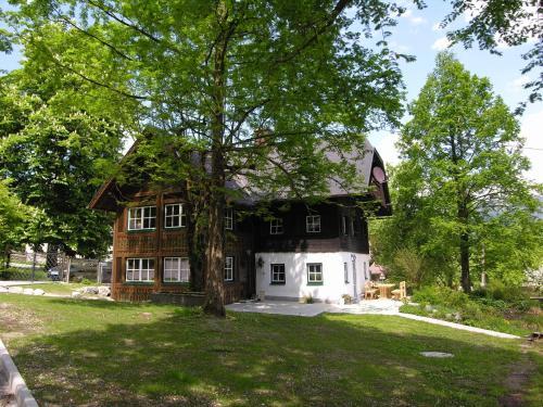Hotel Pictures: Ferienhaus Gut - Eisenlehen, Bad Goisern