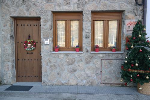 Hotel Pictures: , Vallejera de Riofrío