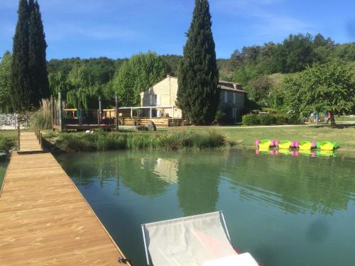 Hotel Pictures: L'Ôasis de Provence, Niozelles