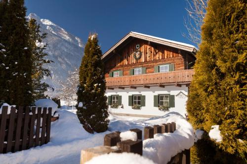 Foto Hotel: Foresthouse-Holidaysun, Golling an der Salzach