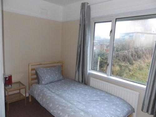 Hotel Pictures: Heol Ty Draw 3 Bedroom House, Bridgend