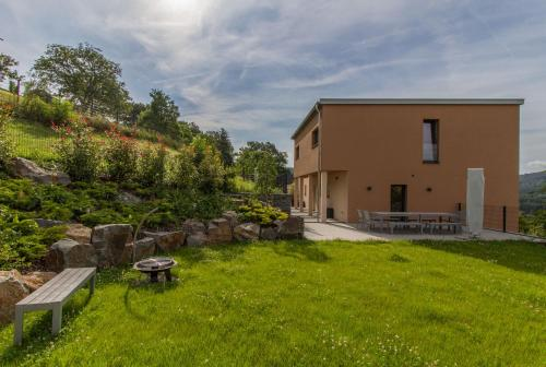 Hotel Pictures: Villa Apfelgarten, Bollendorf