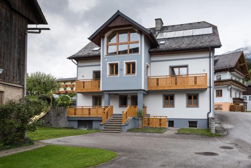Foto Hotel: Ferienwohnung Menthof, Aich