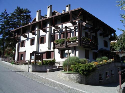 Casa sole bormio book your hotel with viamichelin for Hotel meuble sertorelli