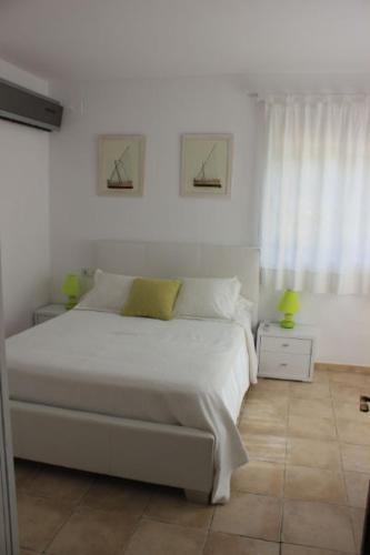 Hotel Pictures: CASA ALBA, Santa Eularia des Riu