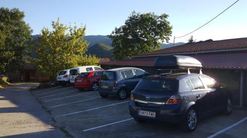 Hotel Pictures: , Vallfogona de Ripolles