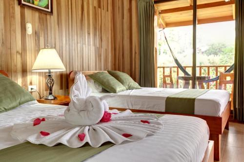 Hotel Pictures: Hotel Brisas Arenal, Fortuna