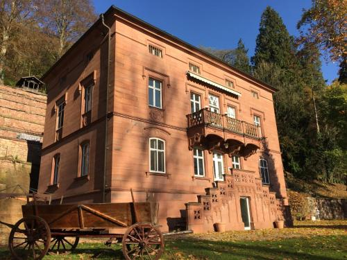 Hotel Pictures: Castle Hollywood, Amorbach