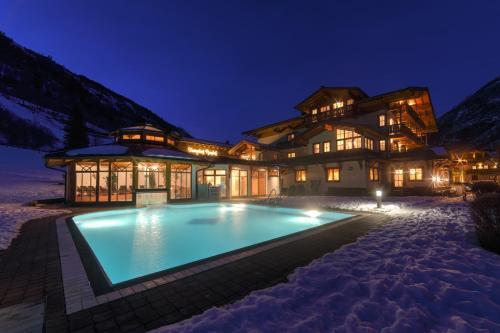 ホテル写真: Feriendorf Ponyhof, フッシュ・アン・デア・グロースグロックナーシュトラーセ