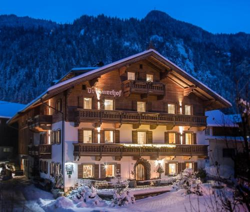 Foto Hotel: Ferien-Vitalhof Brixnerhof, Schlitters