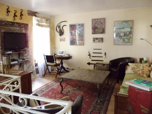 Hotel Pictures: Holiday home Rue des Penitents, Pierrelatte