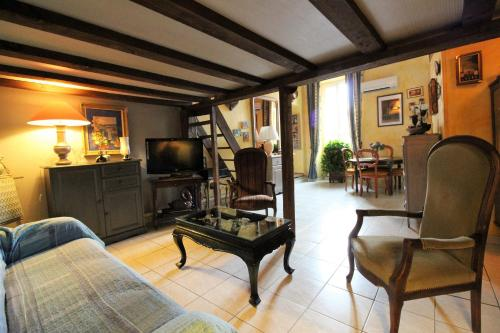 Hotel Pictures: May, Villefranche-sur-Mer