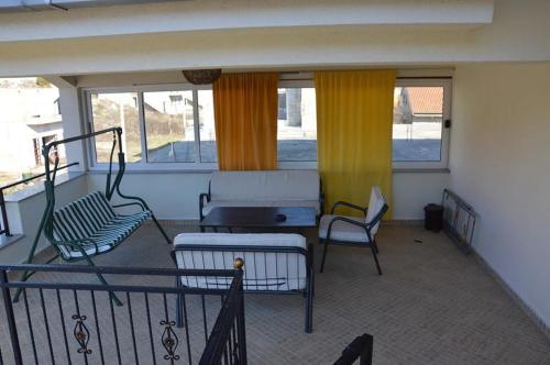 Hotellikuvia: Apartments Milicevic, Ivanica