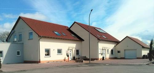 Hotel Pictures: Ferienwohnungen Am Pfaffensee, Harthausen