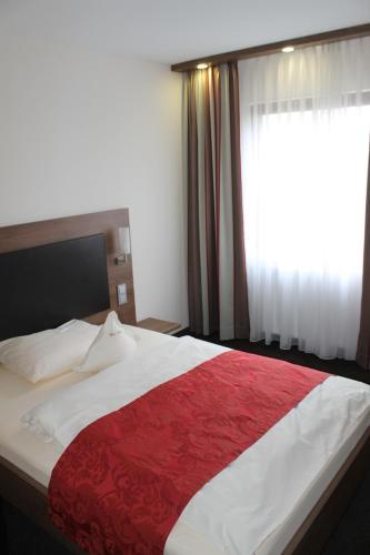 Hotel Pictures: , Köngen