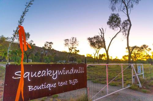 Hotellbilder: Squeakywindmill Boutique Tent B&B, Alice Springs