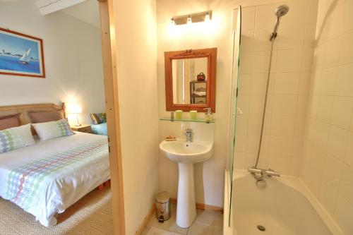 Hotel Pictures: , Puycelci
