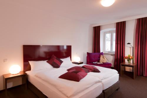 Hotel Pictures: Hotel Bergbauer, Neuburg an der Donau