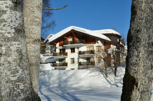 Hotel Pictures: Casa al Lag - direkt am Laaxersee, Laax