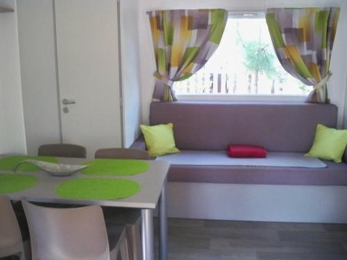Hotel Pictures: Location Mobil Home à la Palmyre, La Palmyre