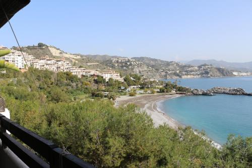 Hotel Pictures: Marina Playa 2H, Maro