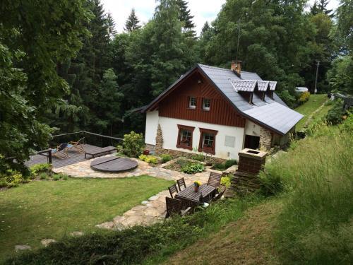 Hotel Pictures: Chalupa Pod Skalou I., Paseky nad Jizerou