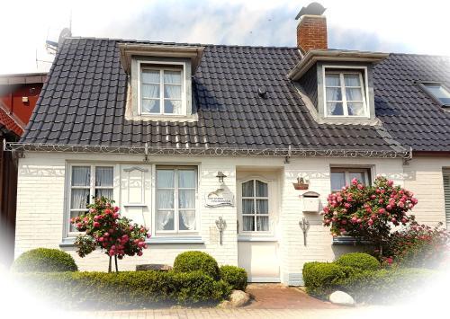 Hotel Pictures: Fischerhuus Lev -Farwol, Wyk auf Föhr