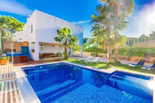 Hotel Pictures: Villa Rosella, Colonia de Sant Pere