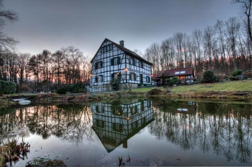 Hotel Pictures: Gästehaus Wahnenmühle, Erkrath