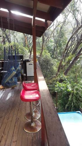 Фотографии отеля: Misty Treetops with pool and sauna in Leura, Лора