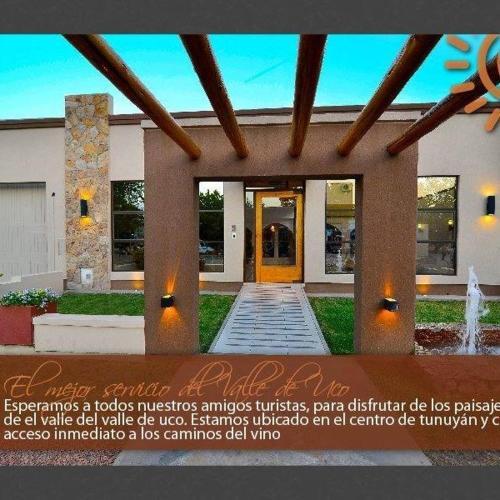 Foto Hotel: Hostal del Sol, Tunuyán