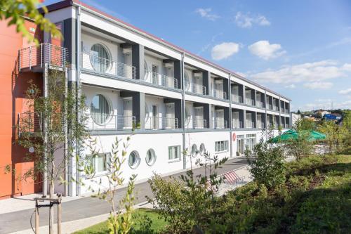 Hotel Pictures: Aribo Hotel, Erbendorf