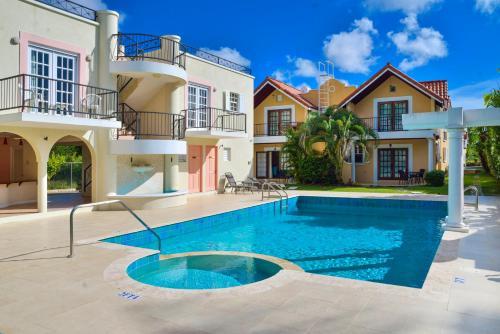 Фотографии отеля: 3 Springcourt Apartment, Бриджтаун