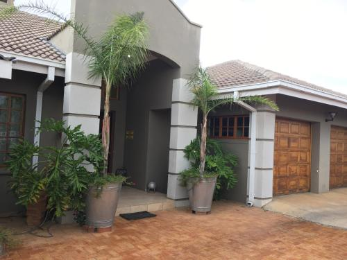 Hotel Pictures: Blue Olive Bed & Breakfast, Gaborone