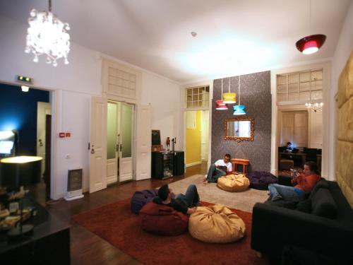 Travellers House - Hostel