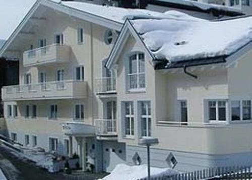 Hotel Pictures: Apart Alp Bella, Ischgl