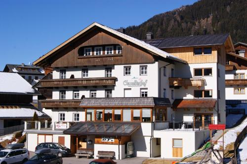Hotellikuvia: Der Oswalderhof, Obertilliach