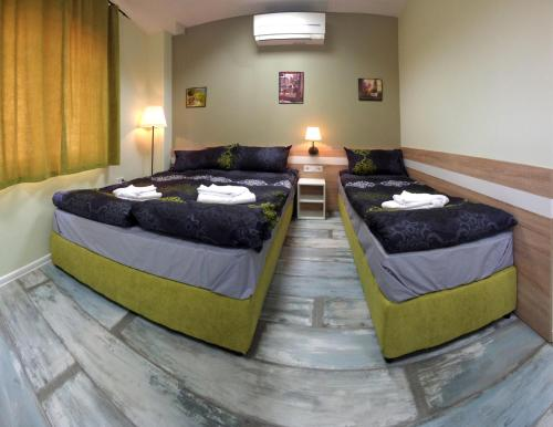 """Hotelbilleder: Guest House """"The House"""", Gabrovo"""