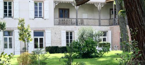 Hotel Pictures: , Beaumont-de-Lomagne