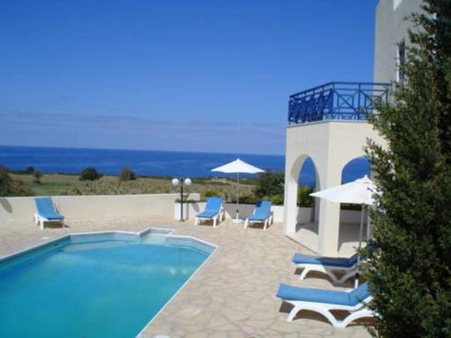 Hotel Pictures: Villa Cynthia, Peyia