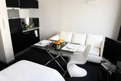 Hotel Pictures: Rex Résidence, Tarbes