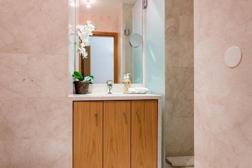 Um banheiro em Your Lisbon Home Oriente