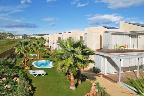 Hotel Pictures: L' Escala Resort, LEscala