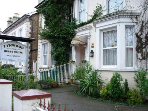 Hotel Pictures: , Redhill
